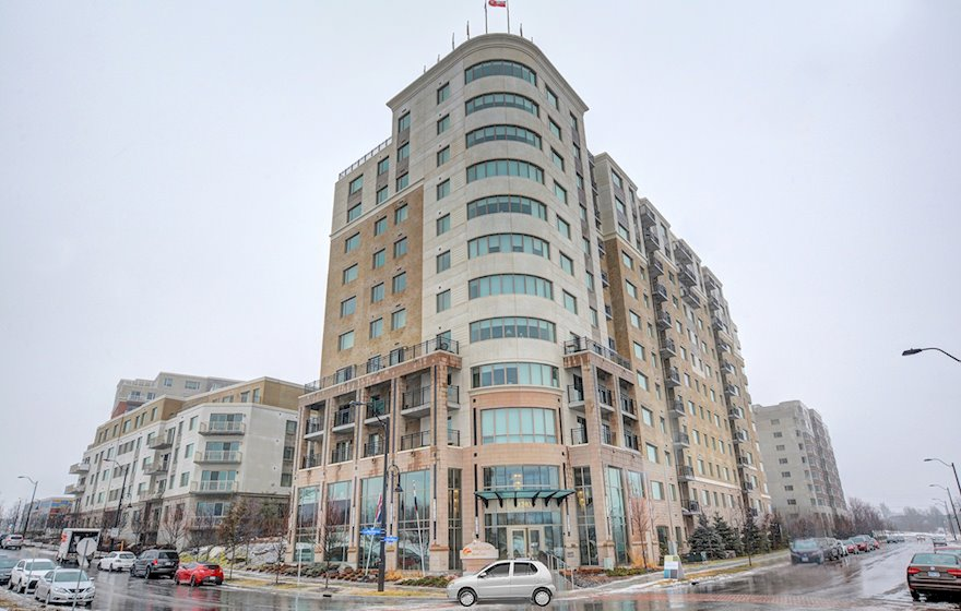 Exterior Fully Furnished Apartment Suite Kanata