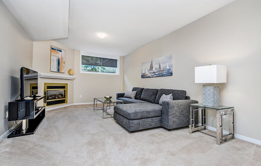Family Room Fully Furnished Apartment Suite Kanata