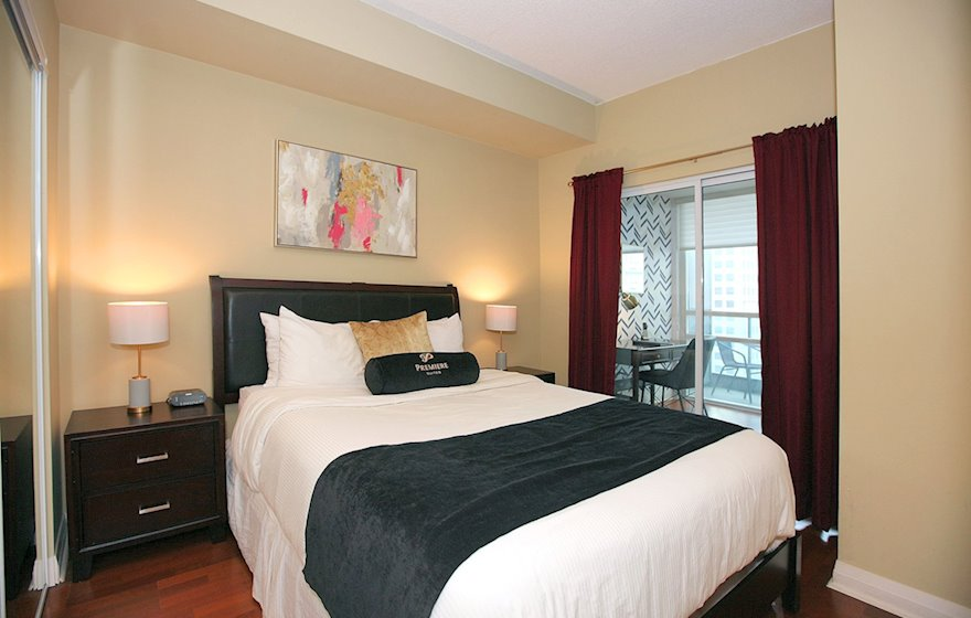 Bedroom Queen Mattress Fully Furnished Apartment Suite Toronto
