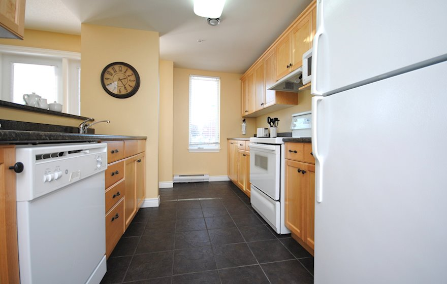 Kitchen Fully Equipped Furnished Apartment, Assomption Boulevard Moncton NB