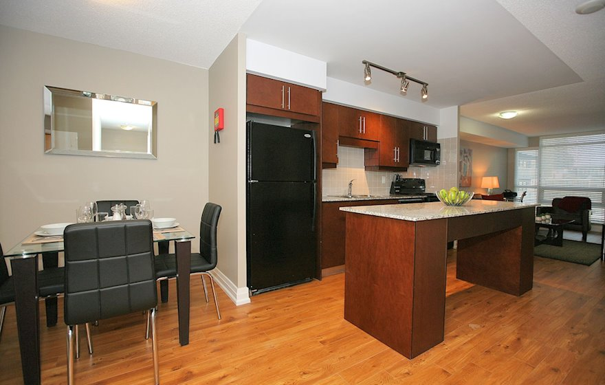 Kitchen Fully Equipped Five Appliances Toronto