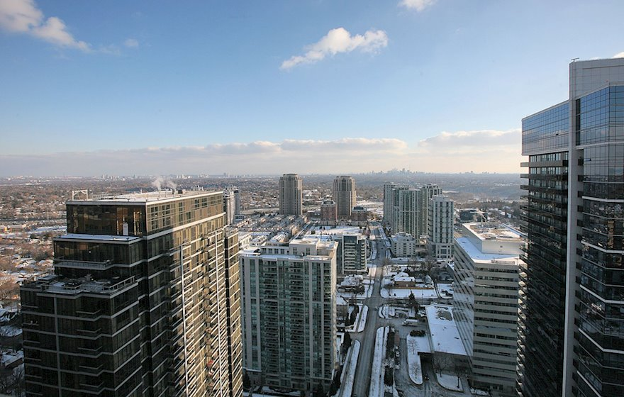 Balcony View Fully Furnished Apartment Suite North York