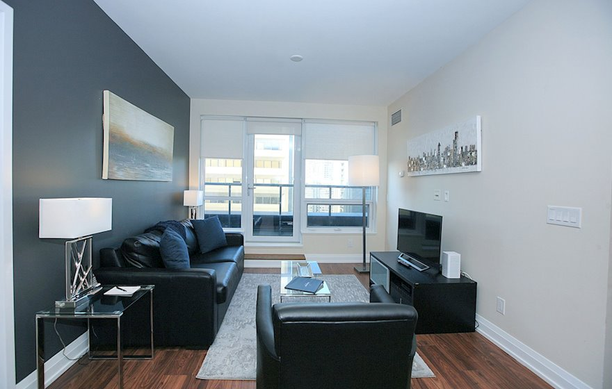 1722-Living Room Free WiFi Fully Furnished Apartment Suite North York