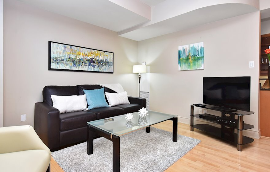 205 - Living Room Free WiFi Fully Furnished Apartment Suite Ottawa