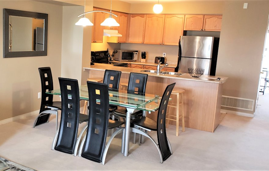 Kitchen Fully Equipped Five Appliances Mississauga