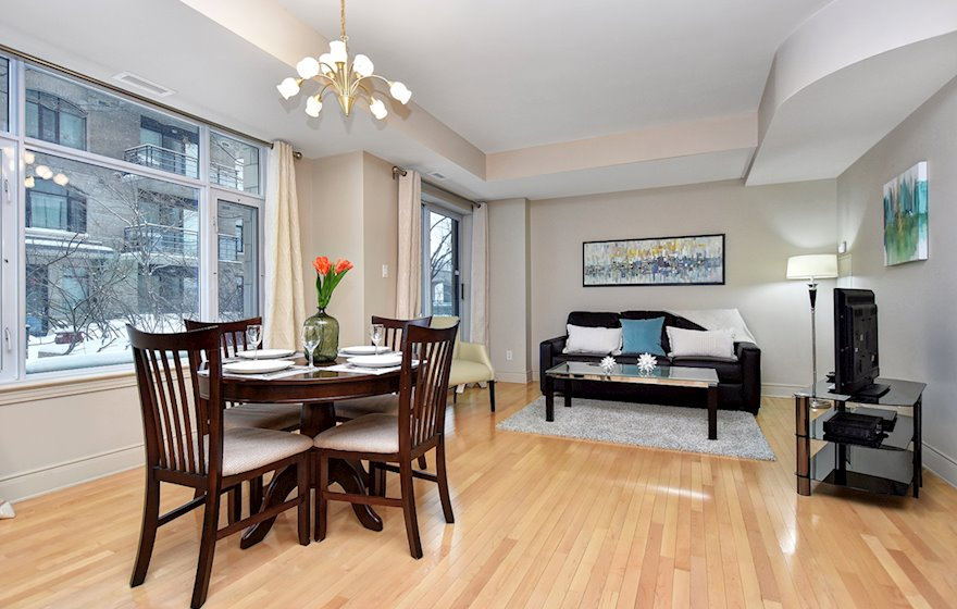 205 - Dining Room Fully Furnished Apartment Suite Ottawa