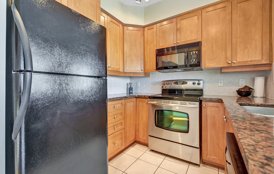1502 Kitchen Fully Equipped Five Appliances Ottawa