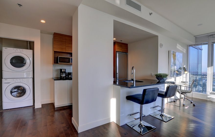 Washer Dryer Free WiFi Fully Furnished Apartment Suite Le V Montreal Quebec