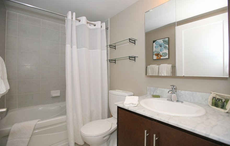 Bathroom 3 Piece Fully Furnished Apartment Suite Toronto