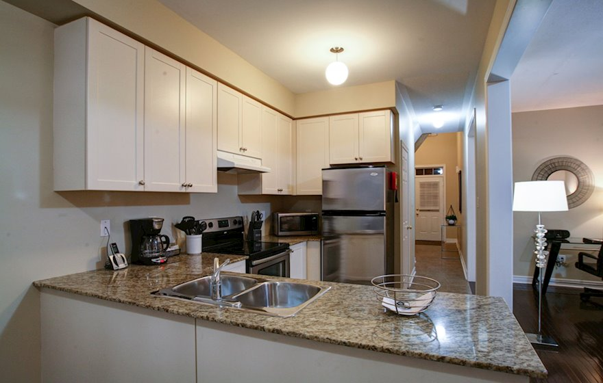 Kitchen Fully Equipped Five Appliances Stainless Steel Oakville