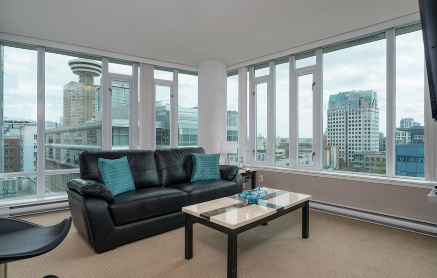 1010 Living Room Fully Furnished Condo Suite Vancouver