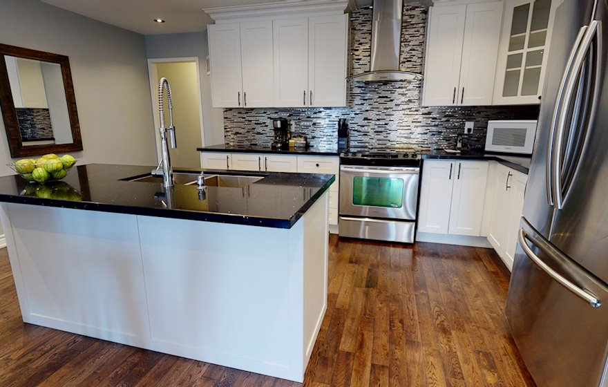 Kitchen Fully Equipped Five Appliances Stainless Steel Mississauga