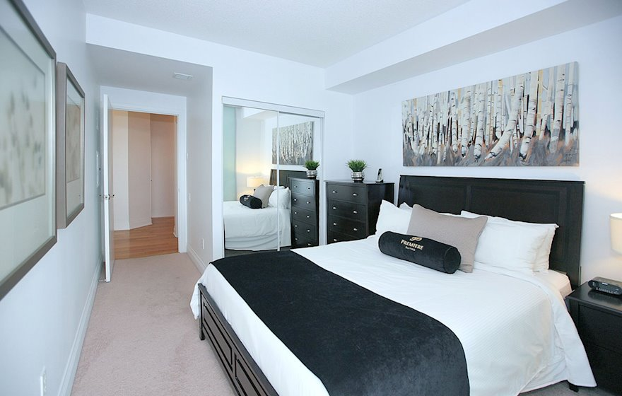 3508-Second Bedroom Queen Mattress Fully Furnished Apartment Suite Midtown Toronto