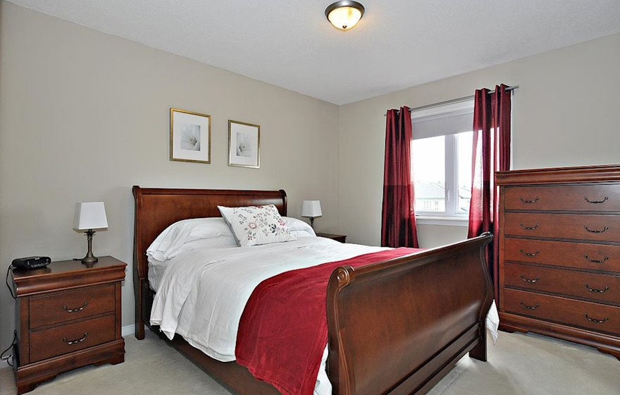 Second Bedroom Queen Mattress Fully Furnished Town House Kanata