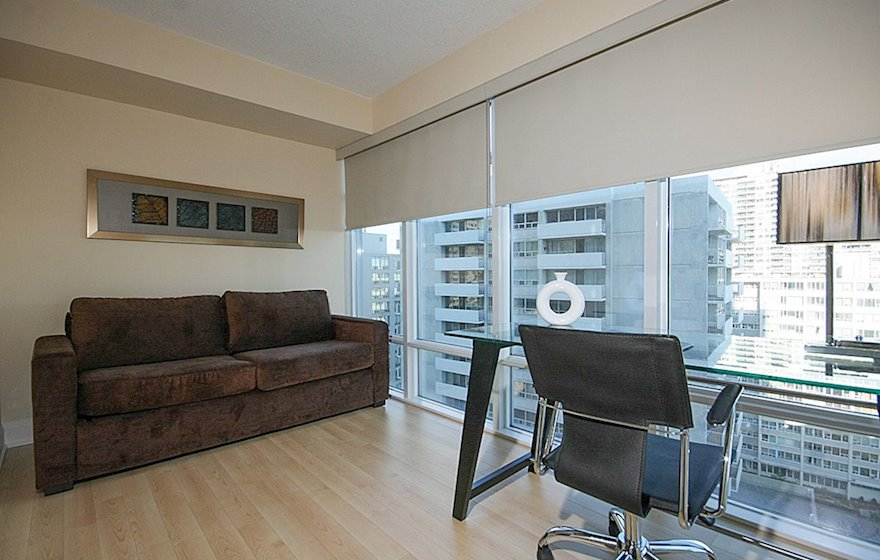 1602-Designated Office Desk Free WiFi Free National Telephone Calls Midtown Toronto