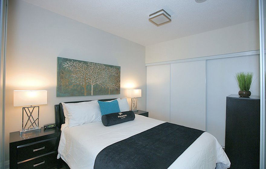 3226-Second Bedroom Queen Mattress Fully Furnished Apartment Suite North York