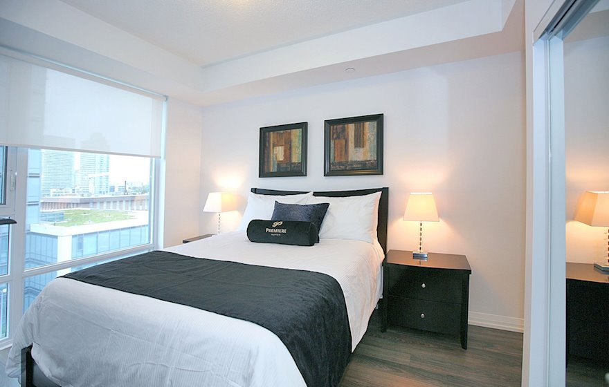 Bedroom Queen Mattress Fully Furnished Apartment Suite North York